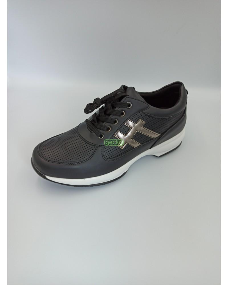 Sneakers KM027
